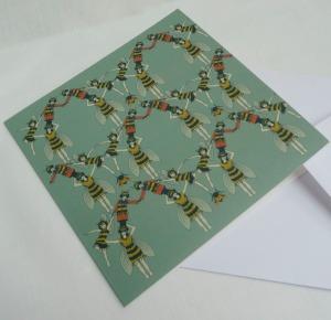 bee pyramid card