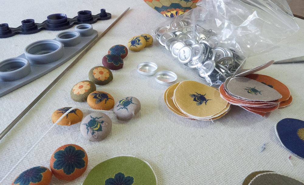 mini pollen buttons