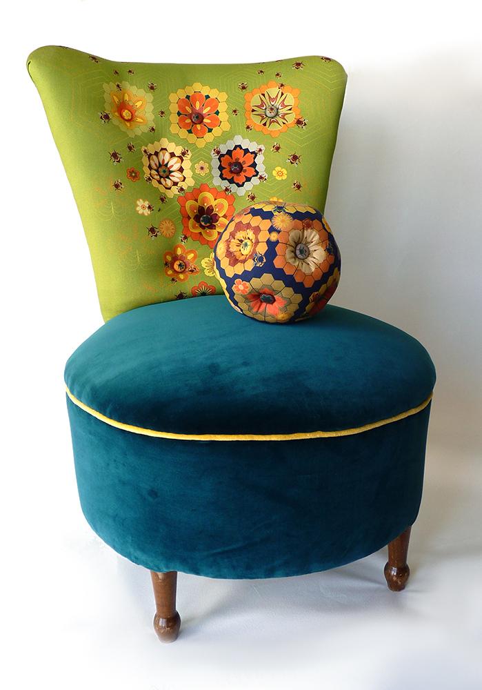 queenbee chair 2